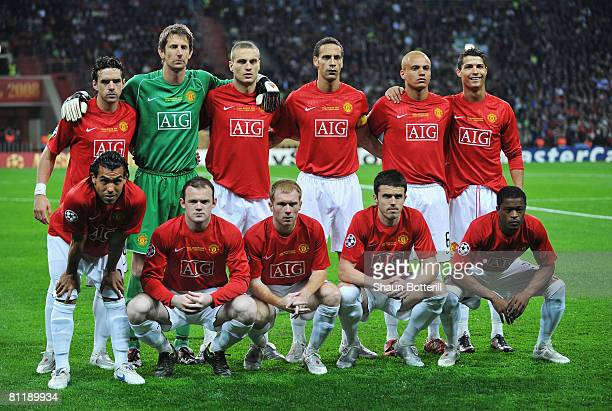The Manchester United team line up for the cameras prior to kickoff during the UEFA Champions League Final match between Manchester United and...