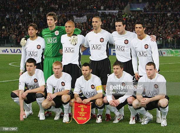 The Manchester United team line up prior to the UEFA Champions League quarter final first leg match between AS Roma and Manchester United at the...