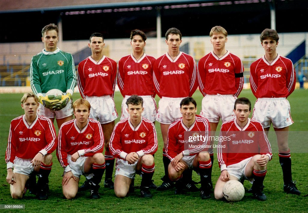The Manchester United team (Back row left to right Mark Bosnich, Ryan Giggs, Darren Ferguson, Paul Sixsmith, Jason Lydiate, Sean McAuley Front row left to right Mark Gordon, Craig Lawton, Lee Costa, Alan Tonge, Adrian Doherty) up before the FA Youth Cup semi finall on April 01, 1990 in Manchester, England.