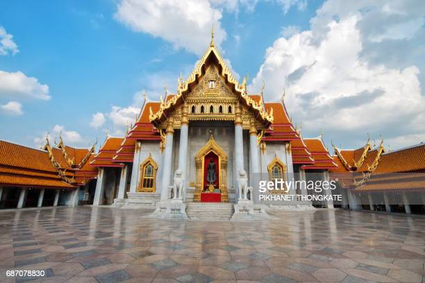 the marble church of buddhist in wat benchamabopit dusitvanaram temple in bangkok,thailand - wat benchamabophit stock photos and pictures