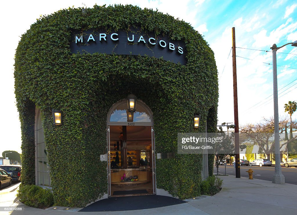 0682971a6d55 Los Angeles Exteriors And Landmarks - 2017. LOS ANGELES, CA - JANUARY 26:  The Marc Jacobs Store ...