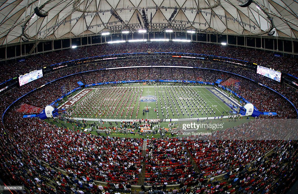 NCAA FOOTBALL: DEC 31 CFP Semifinal - Peach Bowl - Washington v Alabama : Nachrichtenfoto