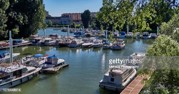 the marina of chalon-sur-saône - シャロンシュルソーヌ ストックフォトと画像