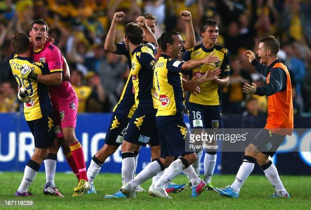 The Mariners celebrate victory after the ALeague 2013 Grand Final match between the Western Sydney Wanderers and the Central Coast Mariners at...