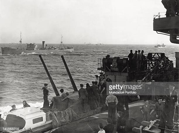 The marines of the English battleship 'Prince of Wales' which is bound for Terranova and is carrying prime minister Winston Churchill are watching a...