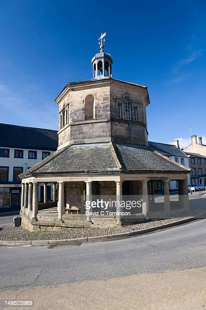 the market cross (also known as butter market). - barnard castle stock pictures, royalty-free photos & images