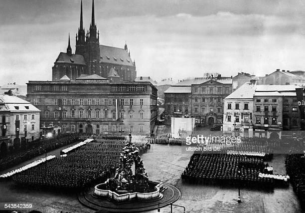 The market square of Brno during the swearing of an oath of a SAunit in the background the StPeterandPaulCathedral 1939 Photographer...