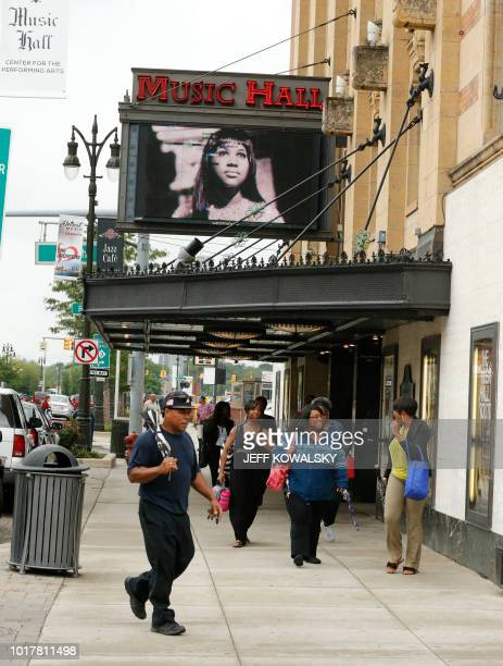 The marquee on the Music Hall shows a photo of Aretha Franklin following the announcement of her passing on August 16 2018 in Detroit Michigan Aretha...