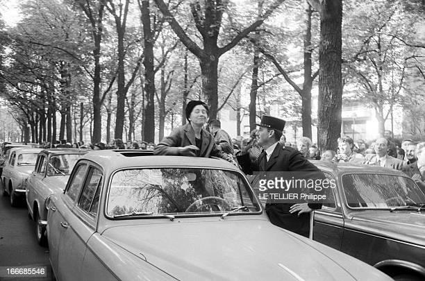 The Marriage Edith Piaf And Theo Sarapo Paris le 9 octobre 1962 Le mariage de Édith PIAF et de Théo SARAPO à la Mairie du 16ème arrondissement Ici...