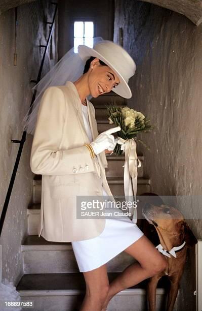 The Marriage Of Ines De La Fressange And Luigi D'Urso. Bouches-du-Rhône - Juin 1990 - Luigi D'URSO épouse Inès DE LA FRESSANGE à la mairie de...