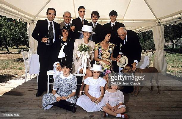 The Marriage Of Ines De La Fressange And Luigi D'Urso BouchesduRhône Juin 1990 Luigi D'URSO épouse Inès DE LA FRESSANGE à la mairie de Tarascon Les...