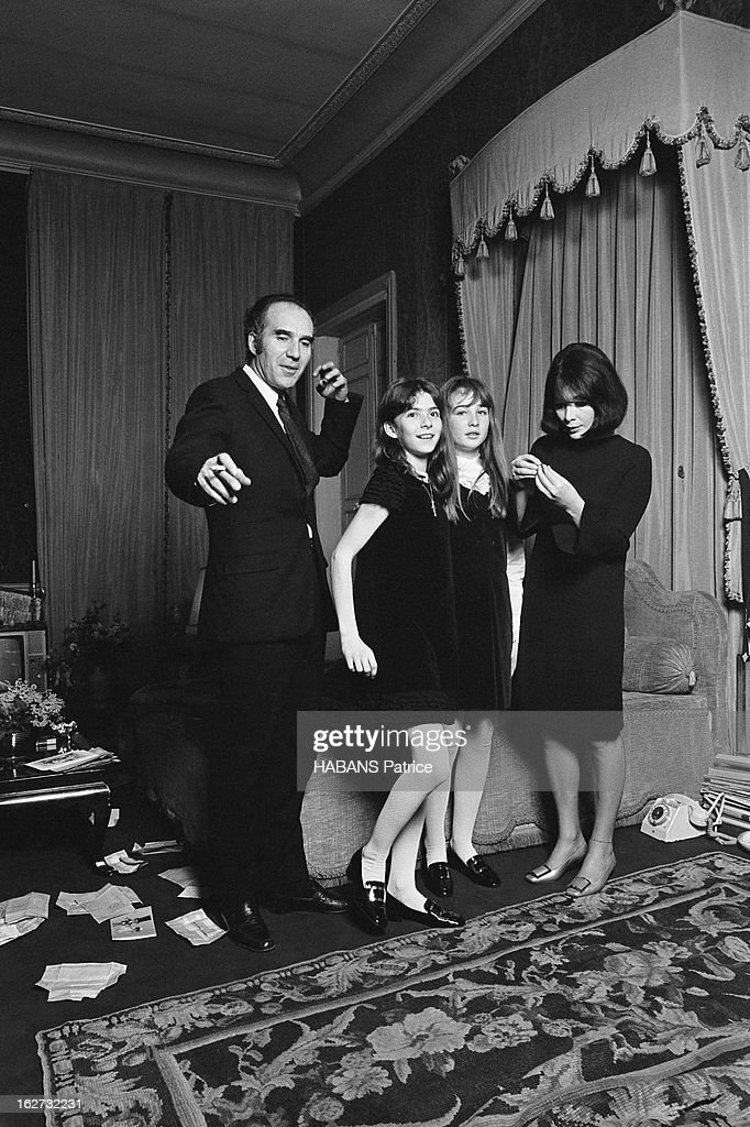The Marriage Of Juliette Greco And Michel Piccoli : Nyhetsfoto