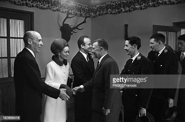 The Marriage Of MarieLaure Prouvost And Claude ChevallierAppert France 30 janvier 1966 MarieLaure PROUVOST petite fille de Jean Prouvost industriel...