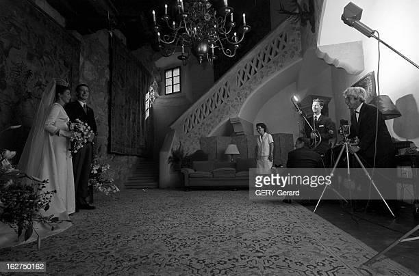 The Marriage Of Prince HansAdam Of Liechtenstein With Mary Kinsky Von Wchinitz Und Tettau Vaduz 30 juillet 1967 Dans une des soixante douze pièce du...