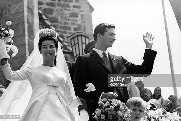 The Marriage Of Prince HansAdam Of Liechtenstein With Mary Kinsky Von Wchinitz Und Tettau Le 30 juillet 1967 Lors de leur mariage le prince HANSADAM...