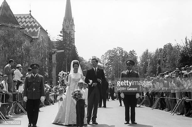 The Marriage Of Prince Hans-Adam Of Liechtenstein With Mary Kinsky Von Wchinitz Und Tettau. Le 30 juillet 1967 - Lors de leur mariage le prince...