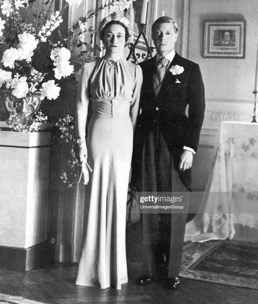The marriage of the Duke of Windsor and Wallis Simpson, 3 June 1937... : News Photo