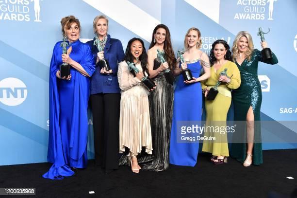 "The Marvelous Mrs. Maisel"" cast Caroline Aaron, Jane Lynch, Stephanie Hsu, Marin Hinkle, Rachel Brosnahan, Alex Borstein and Matilda Szydagis pose in..."
