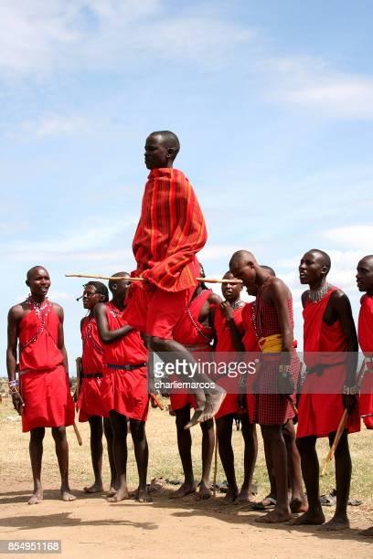 les massaïs - masai photos et images de collection