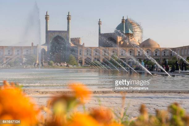 the masjid-i imam or shah mosque  in naqsh-e-jahan square - isfahan imam stock pictures, royalty-free photos & images