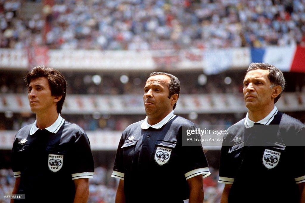 Soccer - World Cup Mexico 1986 - Quarter Final - England v Argentina - Azteca Stadium : News Photo