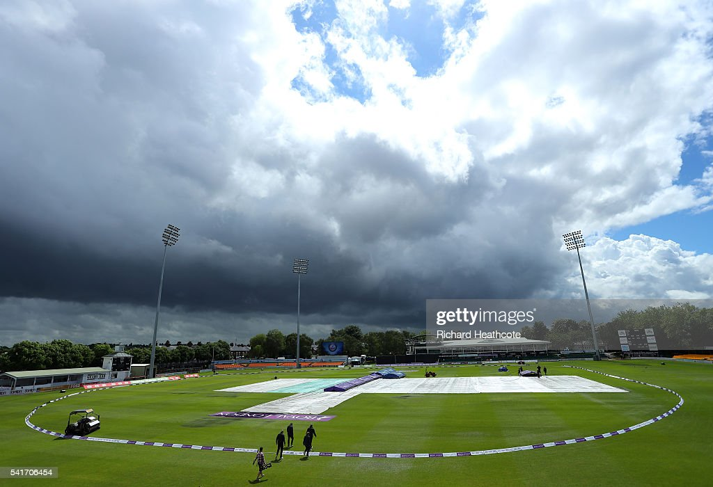 The match officials walk out to make a pitch inspection ahead of the 1st Women's Royal London ODI match between England and Pakistan at Grace Road on June 20, 2016 in Leicester, England.