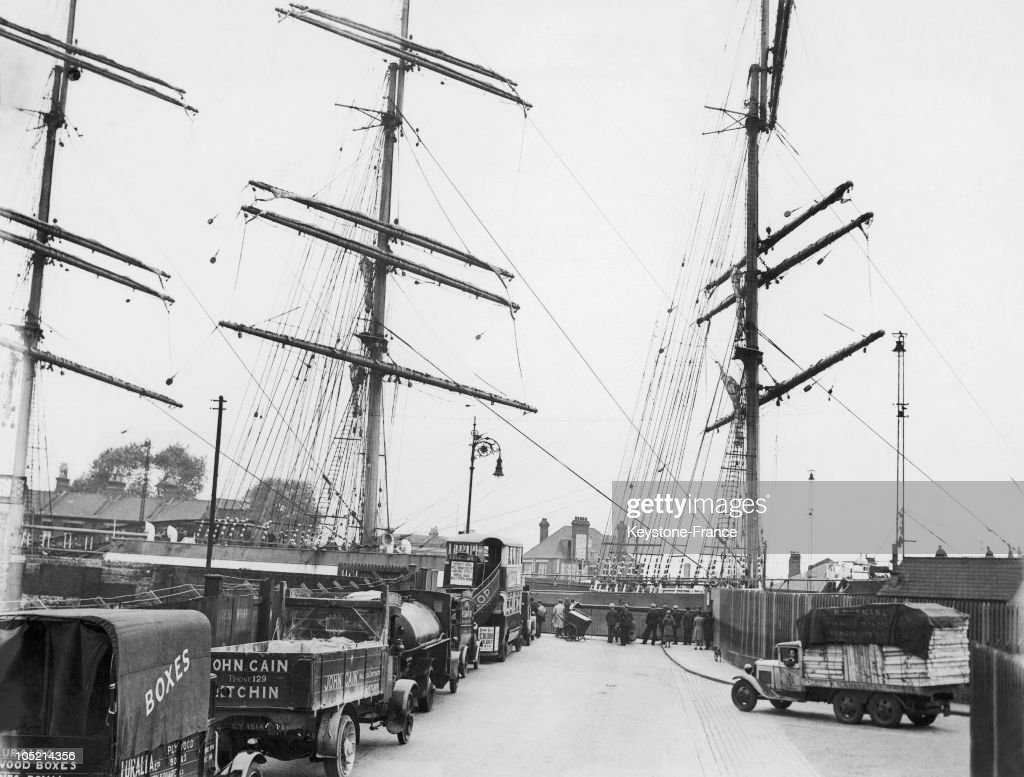 The Mats From Pamir Boat From The Docks Of Millwall In 1932 : Photo d'actualité