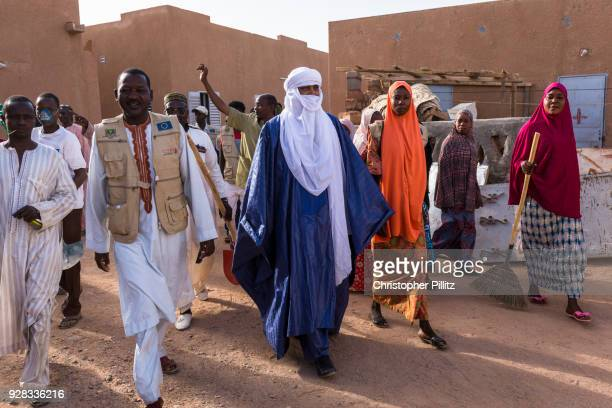 Rhissa Feltou mayor of Agadez visits the street cleaners association which has recently been created and funded by the European Union to genertate...