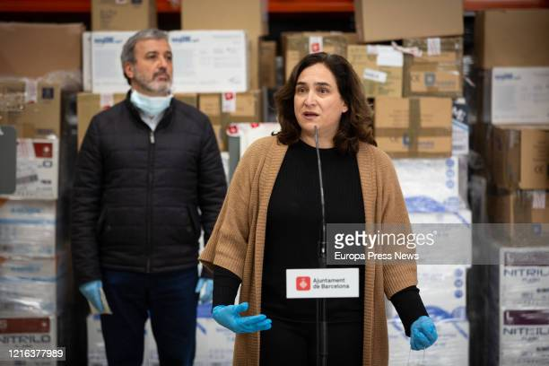 The mayor of Barcelona Ada Colau and the first deputy mayor Jaume Collnoni with masks explain the arrival of 12 tons of sanitary material that the...