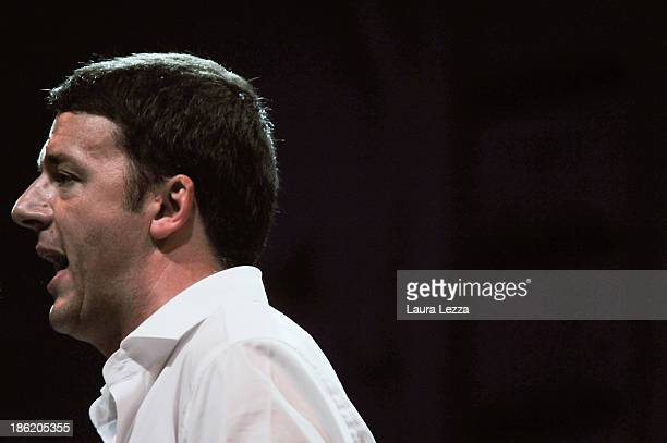 The Mayor of Florence Matteo Renzi speaks during the meeting of the Leopolda 2013 on October 27 2013 in Florence Italy Politician Matteo Renzi is...