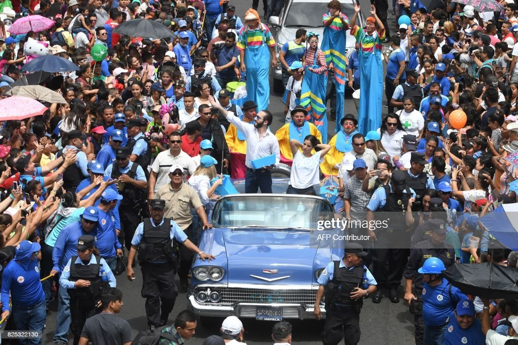 EL SALVADOR-RELIGION-FESTIVAL : News Photo