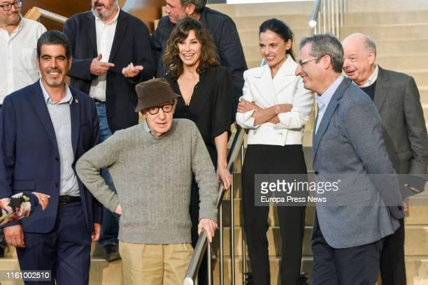 The mayor of San Sebastián, Eneko Goia , Woody Allen , general deputy of Guipúzcoa, Markel Olano , , actors Gina Gherson , Elena Anaya and Wally...