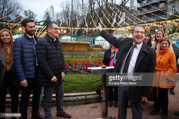 The mayor of Vigo, Abel Caballero , with other personalities, points to the recently inaugurated Christmas big wheel in Vigo on November 27, 2019 in...