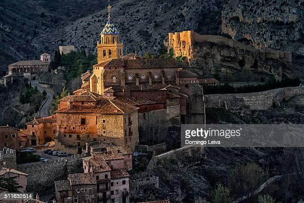 the medieval village of albarracin. - アラゴン ストックフォトと画像