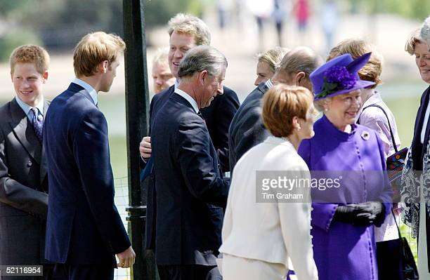 The Meeting Of The Royal Family And The Spencers 7 Years After The Death Of The Princess Queen Elizabeth II Diana's Brother Charles Earl Spencer...