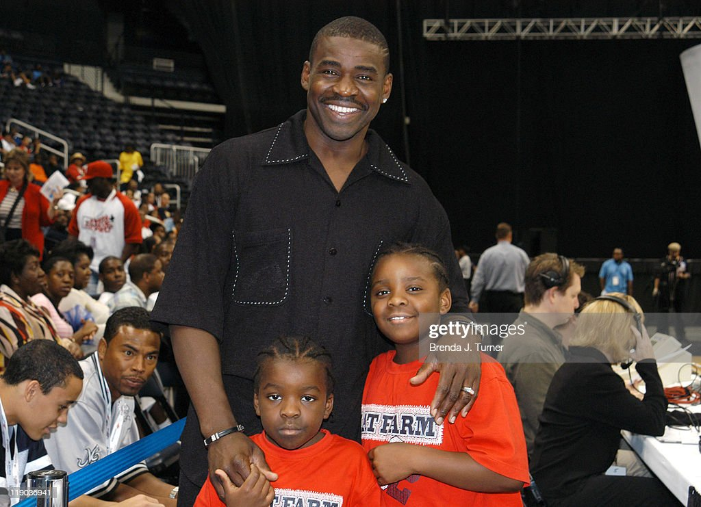 The Mega Fest 2004 event Hosted by Magic Johnson, commentated by former NFL star Michael Irvin shown here with his sons.