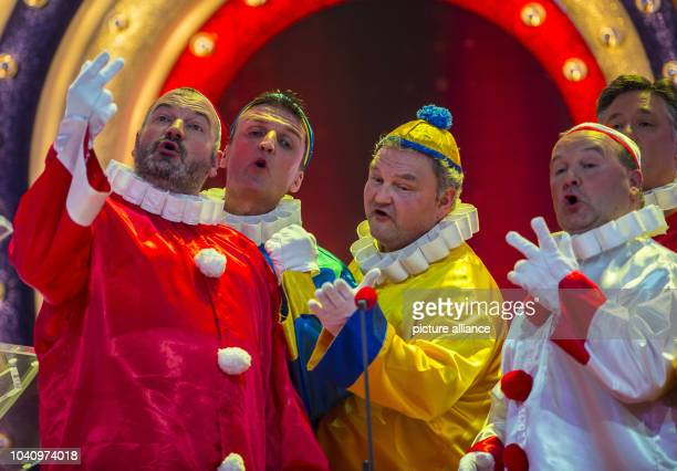 The members of the Carnival music group 'Mainzer Hofsaenger' perform during a dress rehearsal for the televised Carnival show 'Mainz bleibt Mainz wie...