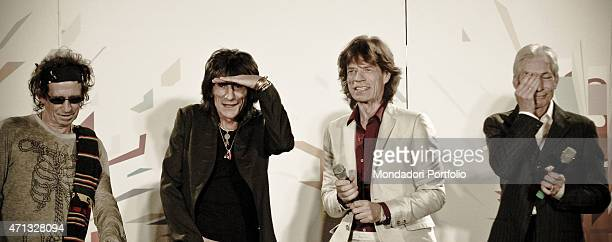 The members of the English rock band The Rolling Stones Keith Richards Ronnie Wood Mick Jagger and Charlie Watts during a photo shoot Milan July 11...