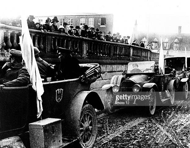 The members of the German Parliament arriving in the French lines in Rethondes November 811 France World War I