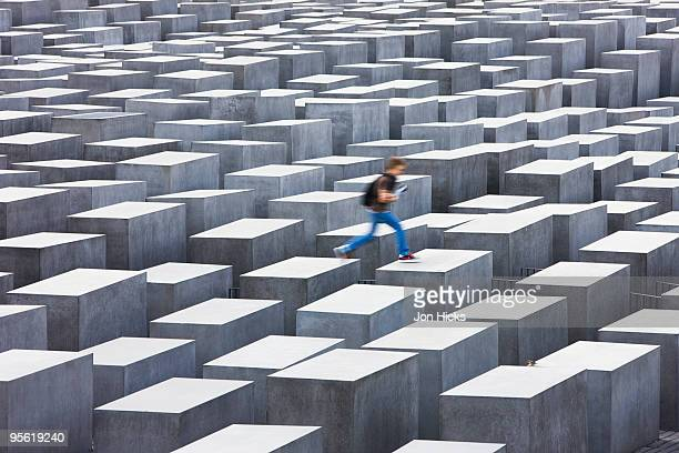 the memorial to the murdered jews of europe - holocaust stock pictures, royalty-free photos & images