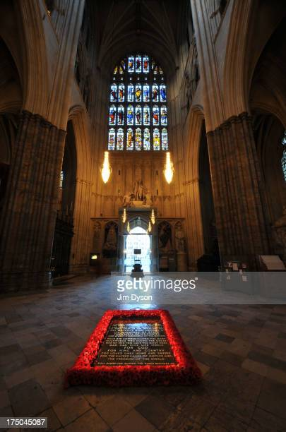 The memorial to the Unknown Warrior in the nave of Westminster Abbey, on November 29, 2012 in London, England. Dead Famous London is a journey...