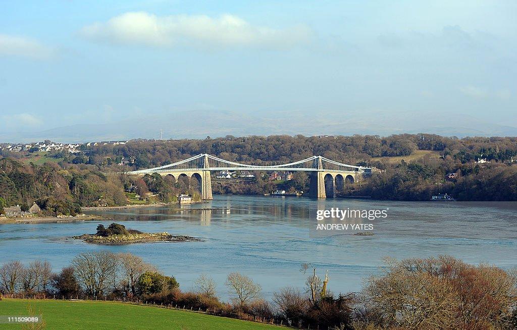 The Menai Suspension Bridge between the : News Photo