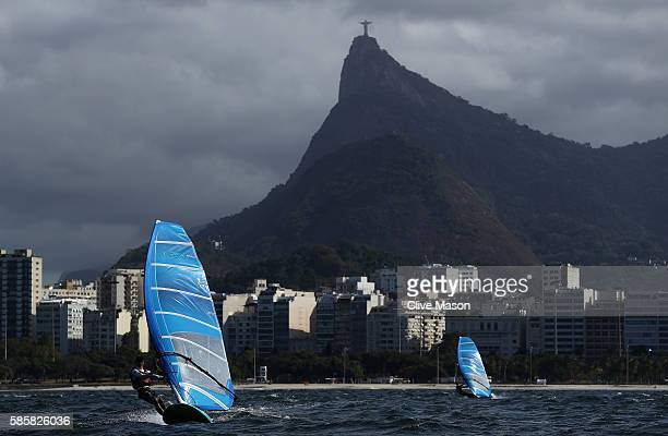 The Mens RS-X fleet in action in Guanabara Bay during practice ahead of the Rio 2016 Olympic Games at the Marina da Gloria on August 4, 2016 in Rio...