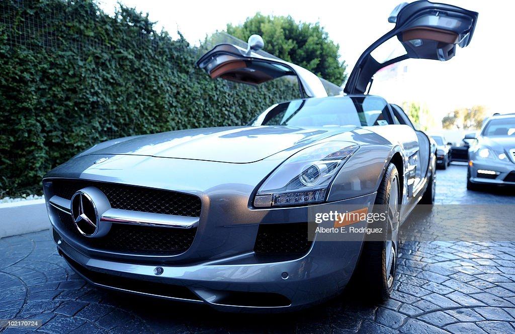 Mercedes-Benz Celebrates PlayStation 3 Gran Turismo 5 Featuring The SLS AMG : News Photo