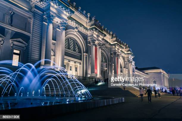 the met - metropolitan museum of art new york city stock pictures, royalty-free photos & images
