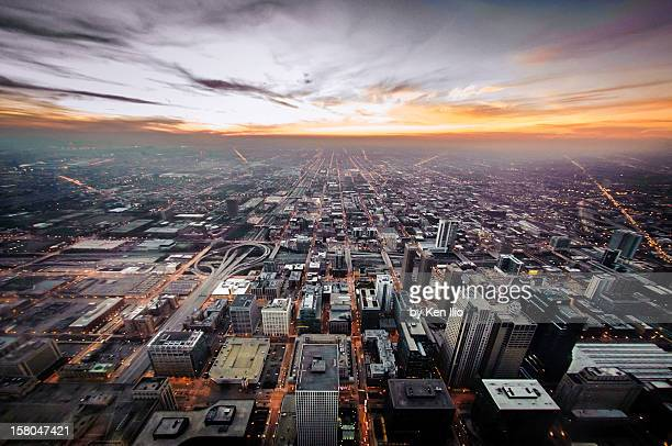 the metropolis looking west - ken ilio stock pictures, royalty-free photos & images