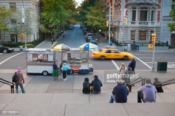 the metropolitan museum of art - metropolitan museum of art new york city stock pictures, royalty-free photos & images