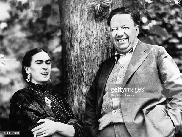 The Mexican couple painters Diego RIVERA and Frida KAHLO during a pause in the 'fake trial' of Leon TROTSKY Diego RIVERA a mural painter and militant...