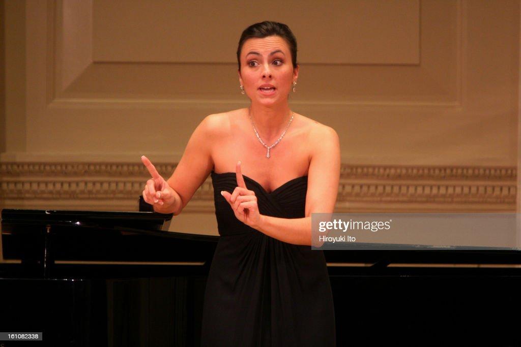 Isabella soprano deepthroat — pic 8