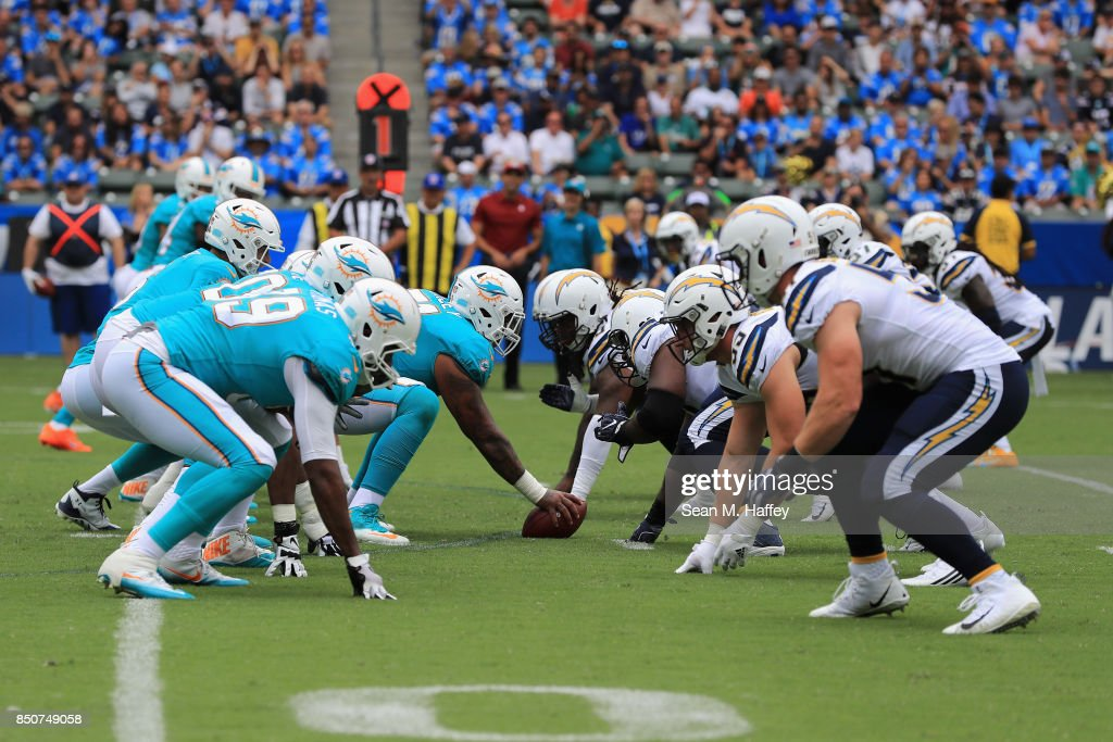 Miami Dolphins vLos Angeles Chargers : News Photo
